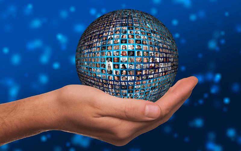 esfera-mano-usuarios-nuevos-clientes-web-anuncios-google-adwords-xenonfactory.es