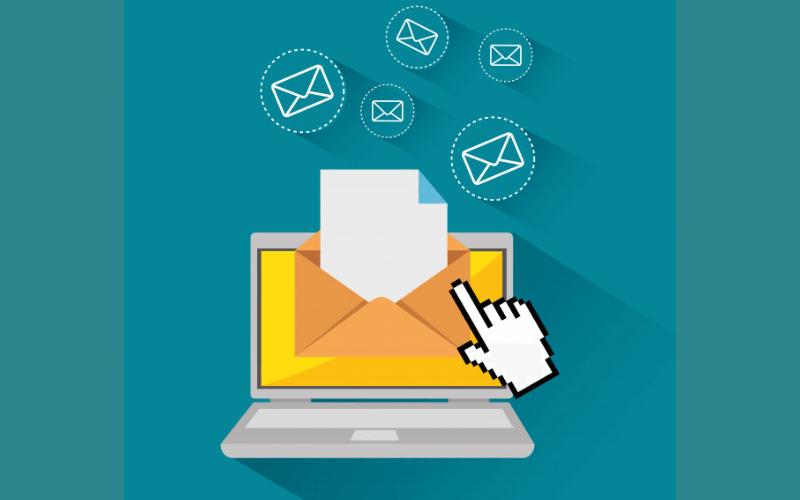 laptop-ordenador-bandeja-de-entrada-mail-email-marketing-posicionamiento-seo-xenonfactory.es