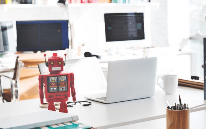 escritorio-ordenador-pc-robot-chatbots-inteligencia-artificial-tienda-virtual-xenonfactory.es